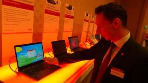 Das neue Fujitsu U904 Ultrabook erkennt den User anhand seiner Venenmuster. (c) 2014 Uwe Fischer