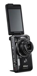 Die Coolpix 6900 ist mit allen Funktionen ausgestattet, die man für das perfekte Selfie benötigt. (c) Nikon