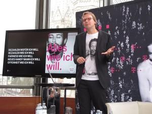 Andreas Bierwirth, der CEO von T-Mobile Österreich, präsentiert das neue Tarifmodell. (c) 2014 Uwe Fischer
