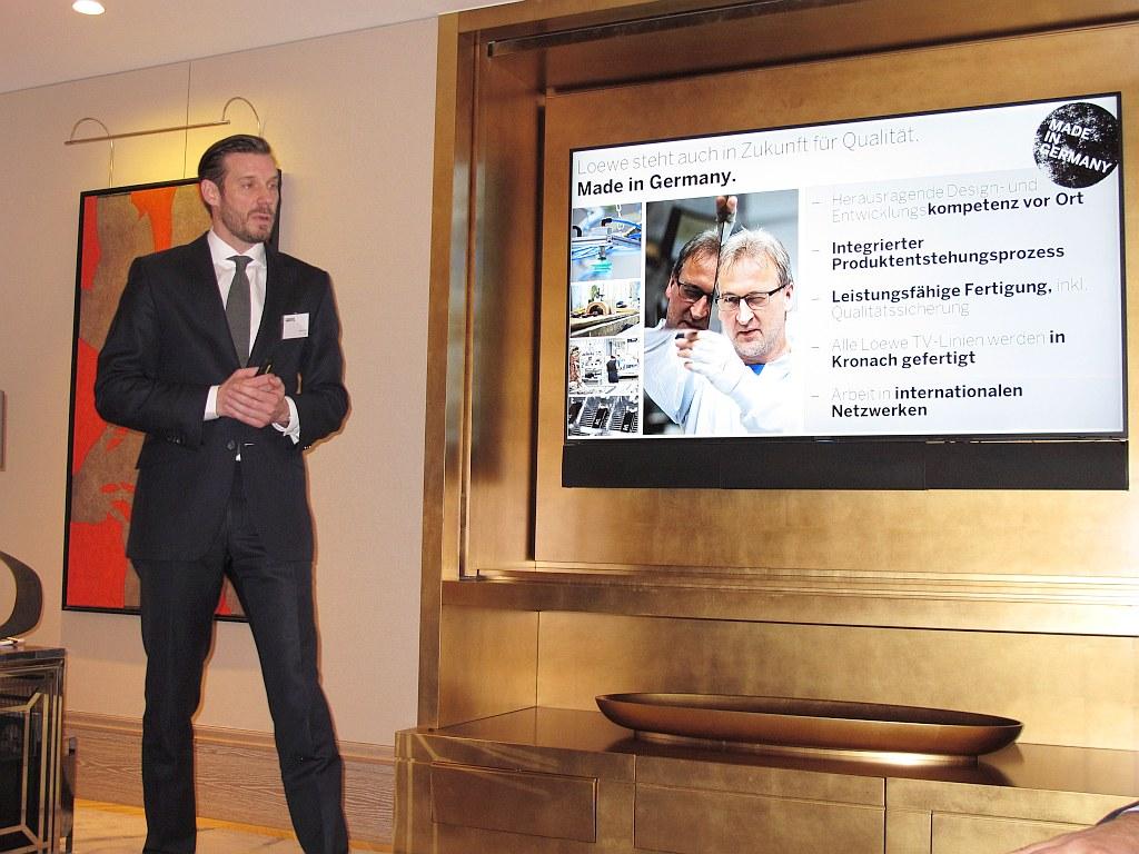 Der neue Loewe-Chef Mark Hüsges präsentiert das neu aufgestellte Unternehmen, das sich nun wieder auf einem soliden Wachstumskurs befindet. (c) 2016 Uwe Fischer